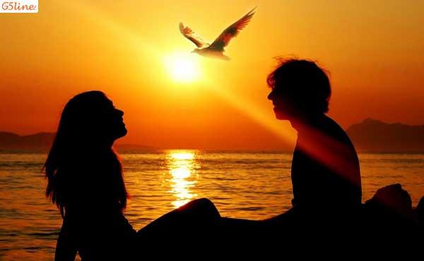 زن و شوهر کنار دریا
