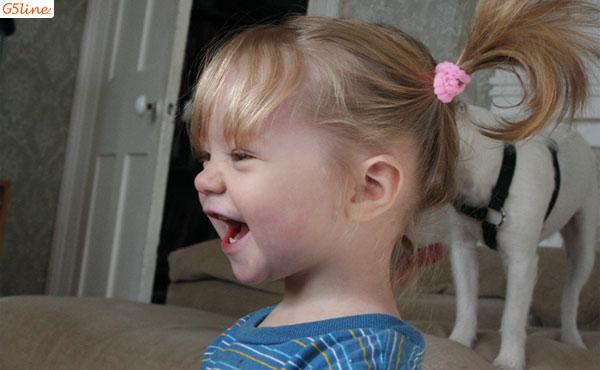 دختر خندان